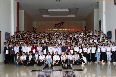 Hoạt động trải nghiệm sinh viên tập sự cho học sinh 12